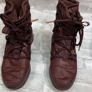Women's  Burgundy Tanjun High Rise BOOTS Size 10